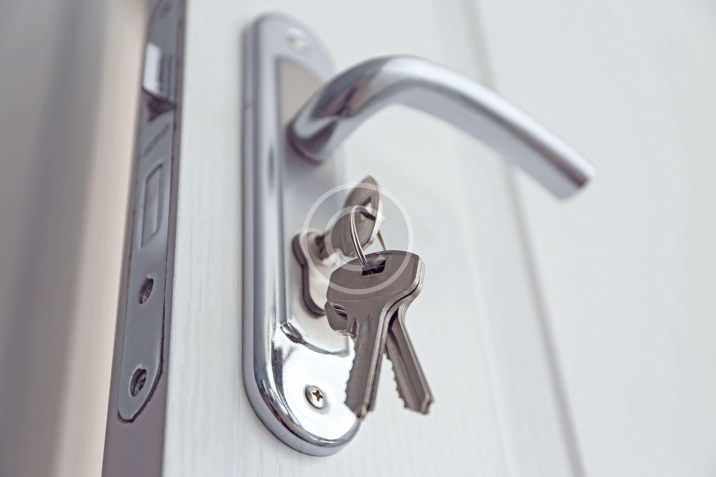 key-lock-door-handle